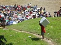 Day 39-我没有骗大家的,Kapit当地人真的是把冰箱这样扛上船去的!